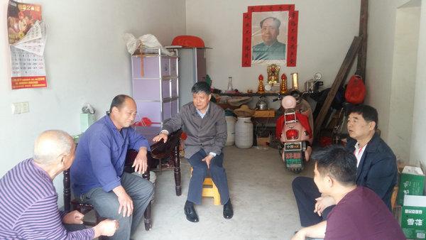 市人大常委会主任王胜到舒城回访帮扶的困难群众